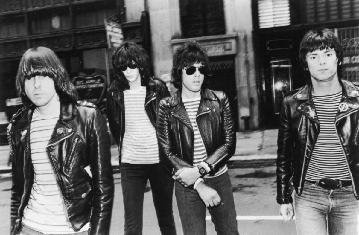 Ramones - Road to Ruin (Sire Records, 1978) 3 - fanzine