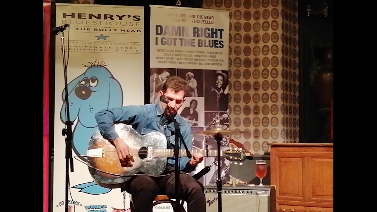The Blues Against the Youth - Live at Henry's Blues house