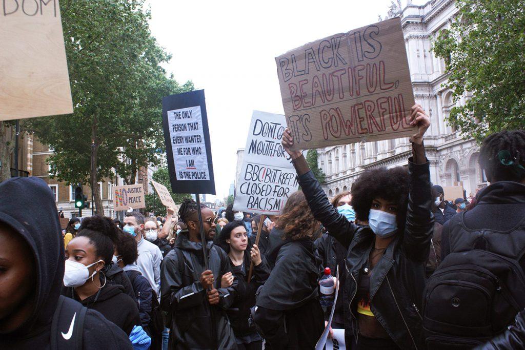 Parliament Square 07.06 l'orgoglio delle minoranze rimbomba nelle strade